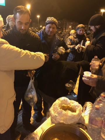Diaconia săraci și pribegi continuă în parohia Pescara