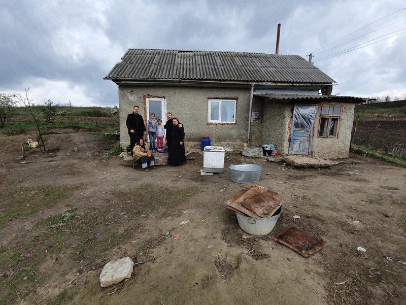 Caravana Dăruirii în Postul Paștelui: Românii din nordul Italiei și-au ajutat frații nevoiași din țară